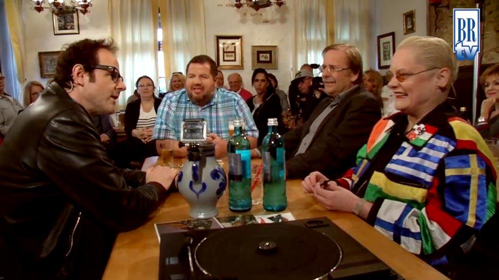 Folge 17 mitDr. Rainer Koch (DFB-Interimschef) , Vince Ebert (Comedian) und Hella von Sinnen (TV-Moderatorin)